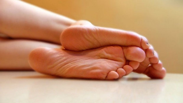 Почему потеют ноги