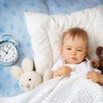 Почему маленький ребенок плохо спит ночью?