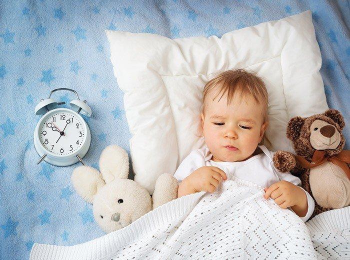 Почему маленький ребенок плохо спит ночью