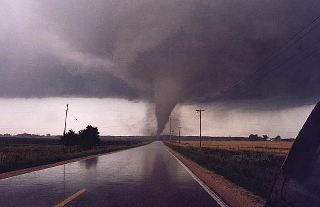 Смерчи, ураганы и торнадо – причины появления