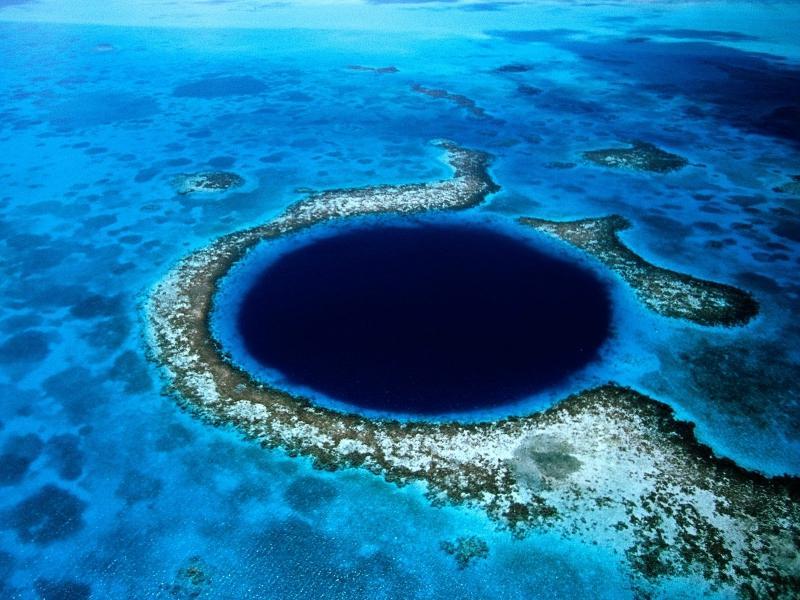 Что такое голубая дыра? Топ-4 самых больших голубых дыр в мире