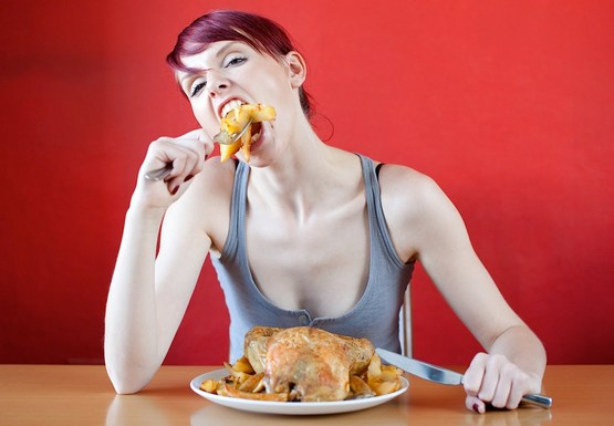 Почему нельзя есть на ночь